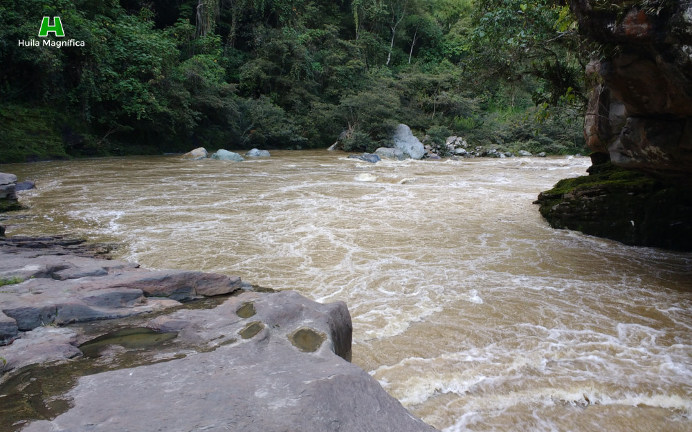 al-pasar-el-estrecho-del-rio-magdalena-huila-magnifica