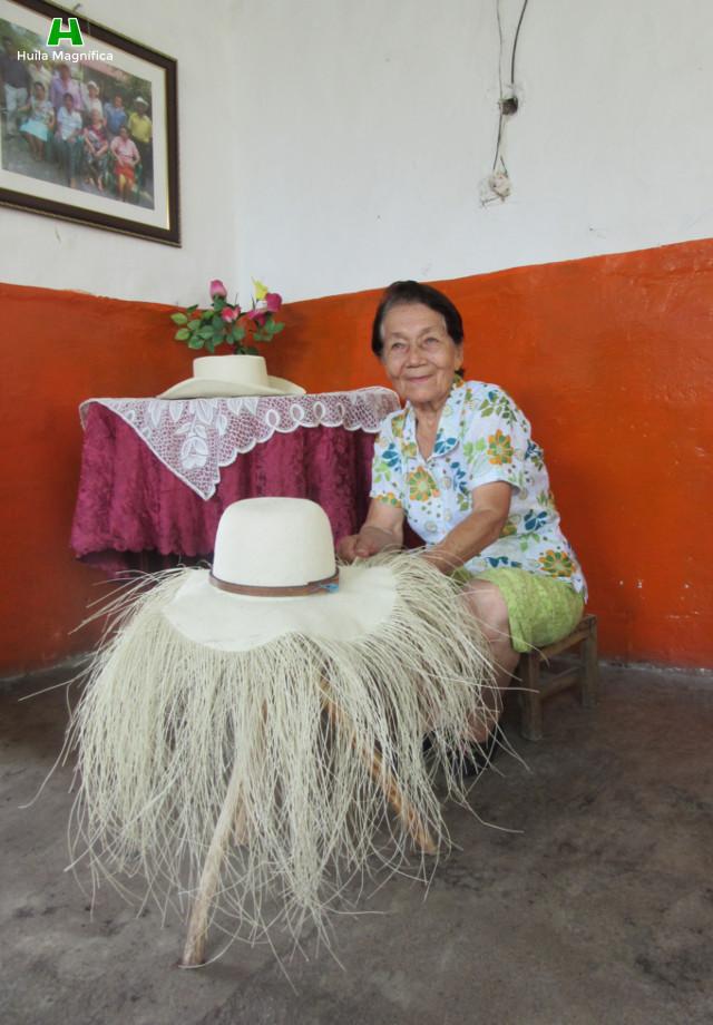 Rosa Facundo - Sombrero Suaza