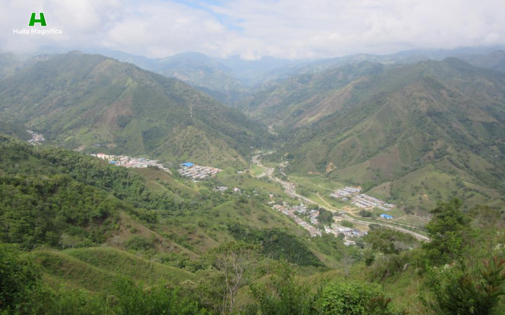Santa María visto desde la mitad del recorrido hacia el Cerro de la Cruz.