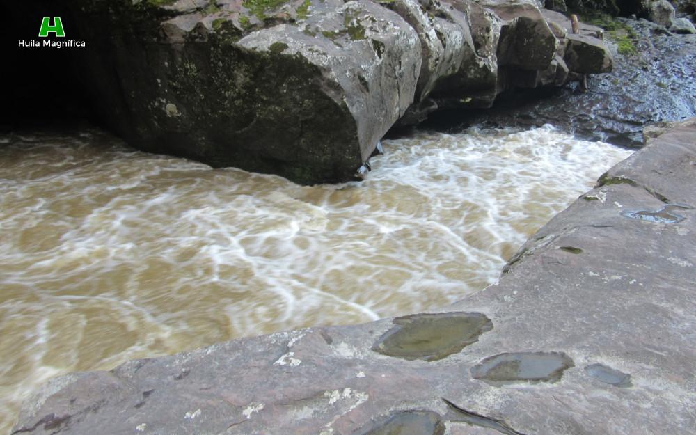 2 metros 20 centímetros Estrecho Río Magdalena