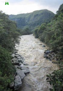 rio-magdalena-metros-antes-de-llegar-al-estrecho-huila-magnifica-208x300