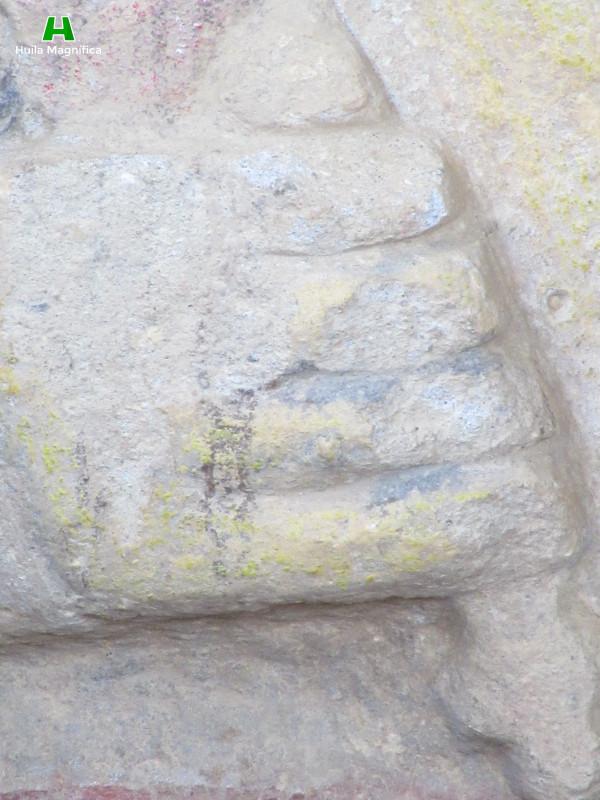 Detalles Estatua a color