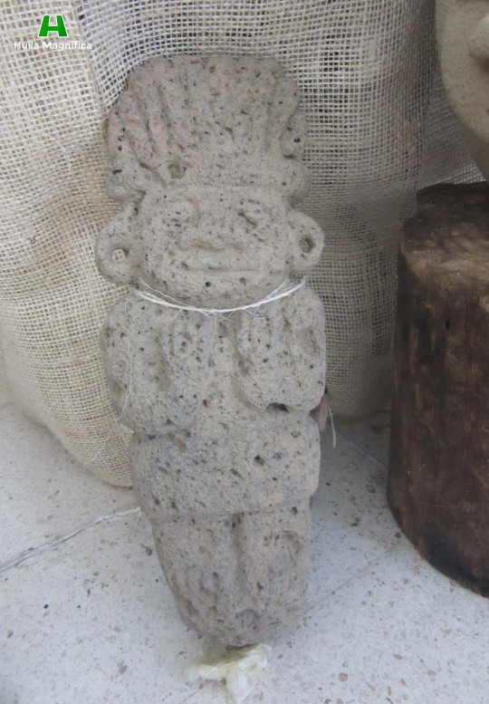 Escultura en piedra (Toba Porosa)