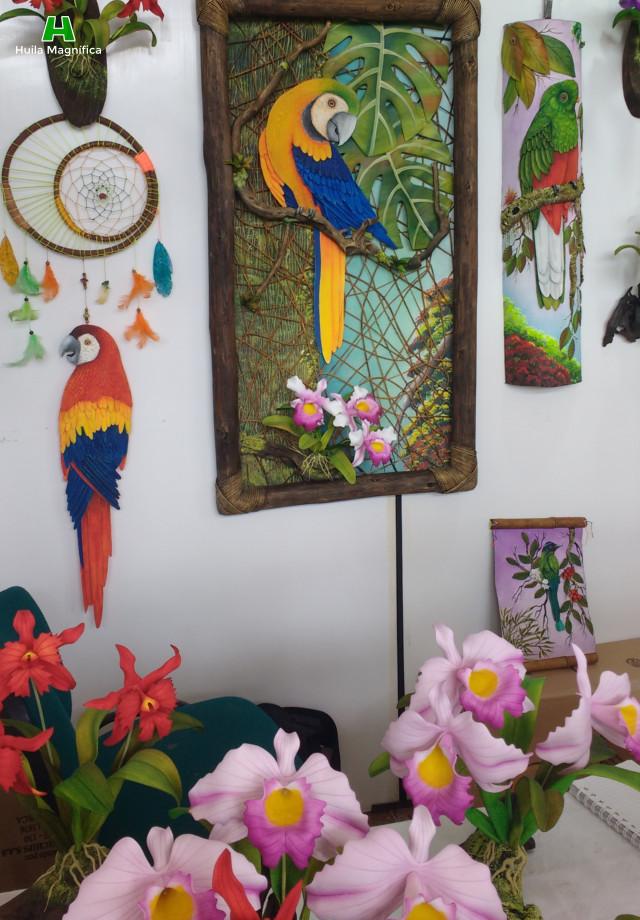 Esculturas y cuadros en relieve