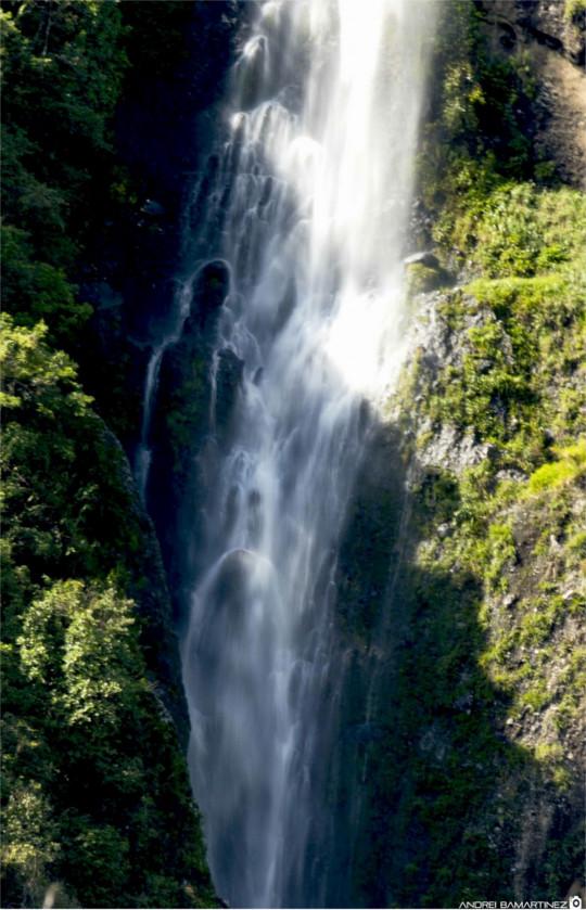 Cascada Simón Bolívar - Municipio de Isnos. Autor: Andrei Bamartinez