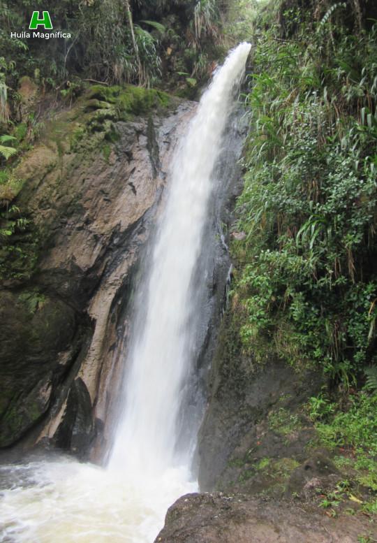 Una de las caídas de agua antes de llegar a la llamada Arco de Las Jarras