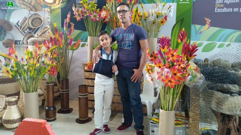 Jhon Edison Ramírez e hijo - Artesanías Exóticas
