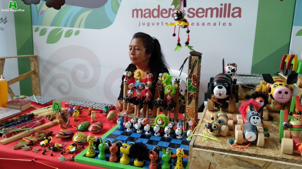 Madera y Semilla - Juguetes artesanales