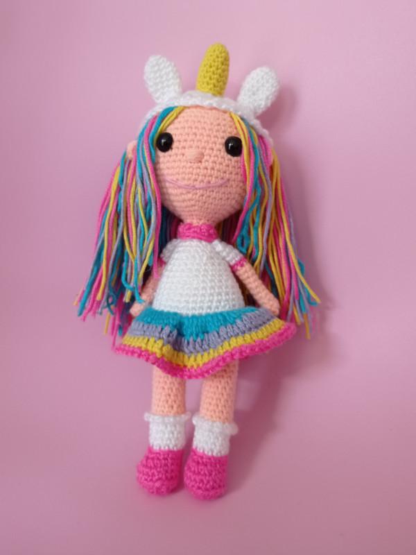 Muñeca unicornio